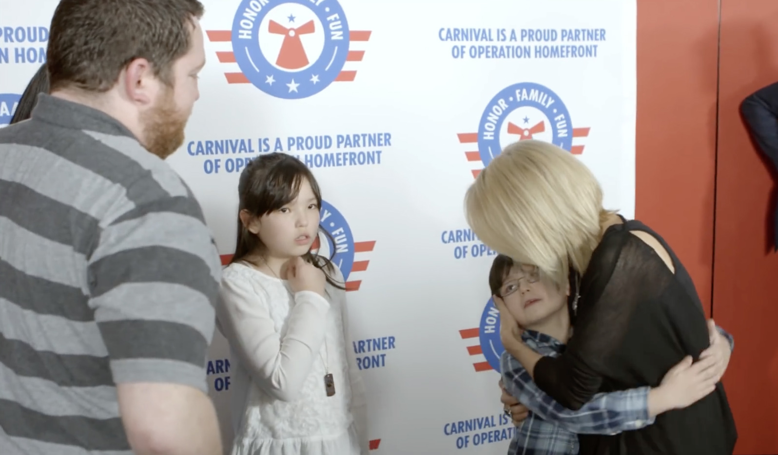 carrie underwood with wounded war veteran family
